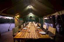 Abendessen in der Mankwe Bush Lodge