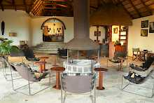 Lounge der Mikeno Lodge