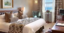 Family Suite mit Blick auf Meer im Winchester Mansions Hotel